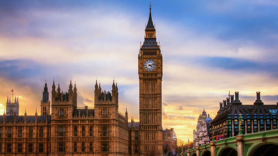 Big Ben rings out over London for the first time - HISTORY