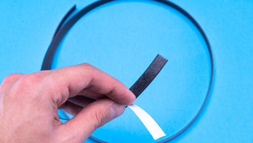 Зображення товару: Магнітна стрічка 12,7мм з клейовим шаром 1 м