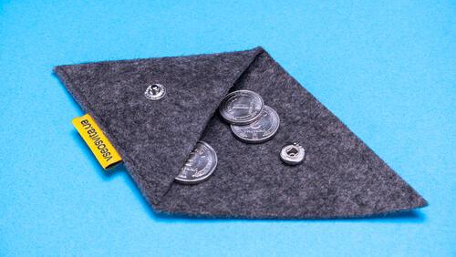 Зображення товару: Трикутна монетниця з фетра