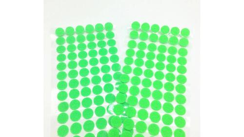 Зображення товару: Липучки круглі на клейовій основі, світло-зеленого кольору. 15 мм – 100 пар.